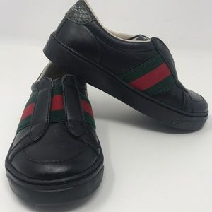 Gucci toddlers sz 24 / 8c Slip on leather sneaker